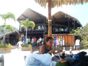 A Lagoa do Paraíso tem ótima estrutura para os banhistas.